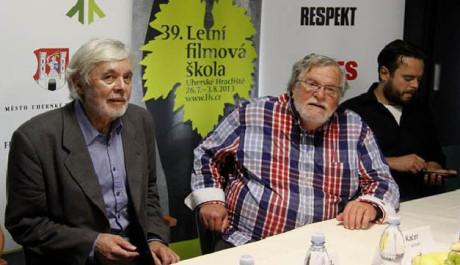 Josef Abrhám, s Janem Kačerem a Josefem Abrhámem mladším na tiskové konferenci k filmu Hoteliér, FOTO: Tereza Menclová, TOPZINE.cz