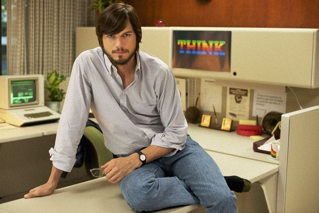 Ashton Kutcher ve filmu o životě zakladatele Applu Stevu Jobsovi. Zdroj: Bontonfilm