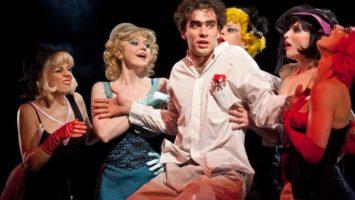 FOTO: Divadlo Na Fidlovačce uvedlo inscenaci Nevěsta