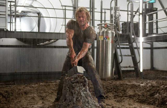 Chris Hemsworth ve filmu Thor. Zdroj: Paramount Pictures