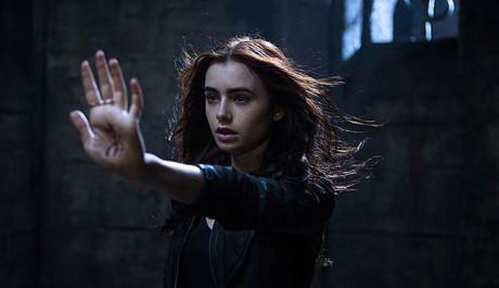 FOTO: Mortal Instruments: Mesto z kosti