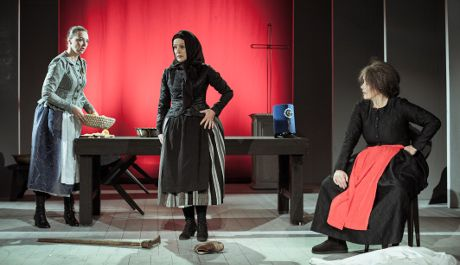 FOTO: Inscenace Advent má premiéru v Jihočeském divadle