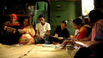 FOTO: Světový průzkum ukázal, že nejvíce čtou lidé v Indii. Zdroj: Wikimedia