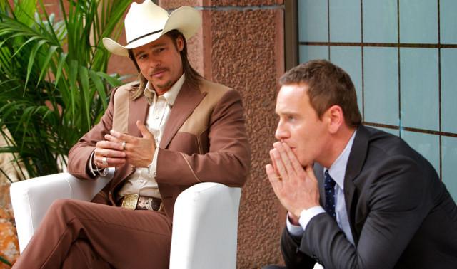 FOTO: Konzultant - Brad Pitt a Michael Fassbender - CinemArt