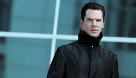 FOTO: Benedict Cumberbatch ve filmu Star Trek: Do temnoty