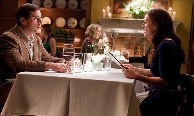 FOTO: Bláznivá, zatracená láska - Steve Carell a Julianne Moore - Warner Bros. CZ