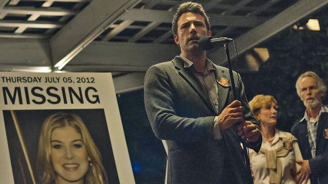 Ben Affleck si zahraje muže podezřelého z vraždy  vlastní ženy. Zdroj: CinemArt
