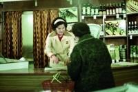 OBR: Ukázka z knihy Žena za pultem. Legendární seriál v papírové podobě