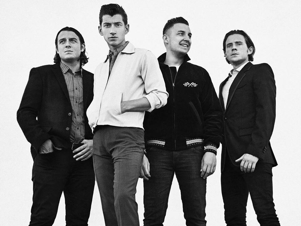 Arctic Monkeys v plné parádě. | Zdroj: oficiální web kapely