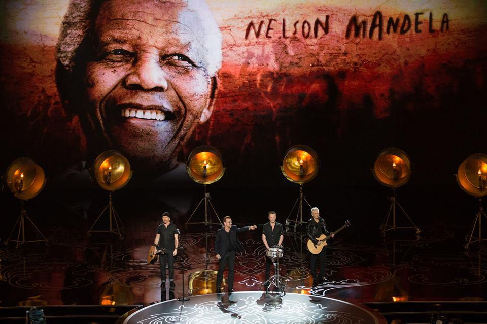 U2 věnovali svou píseň Nelsonu Mandelovi. | Zdroj: oficiální facebook Academy Awards