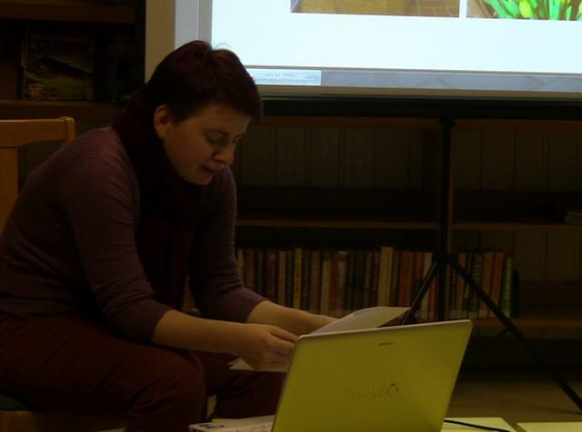 FOTO: Judita Matyášová četla na besedě také ukázku z knihy.