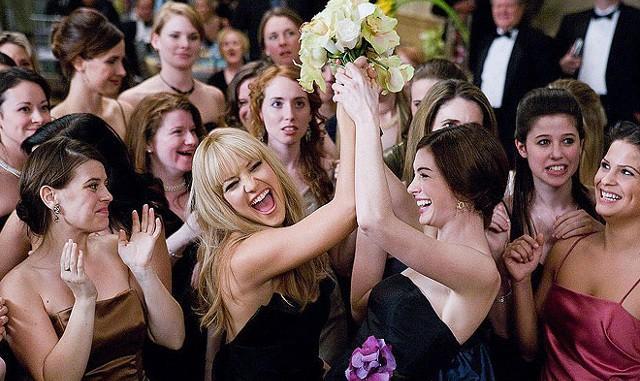 FOTO: Válka nevěst - Kate Hudson a Anne Hathaway - Fox 2000 pictures