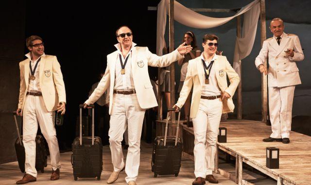 FOTO: Mnoho povyku pro nic v Divadle v Dlouhé