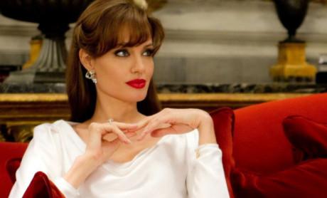 FOTO: Angelina Jolie - Cizinec - Columbia Pictures