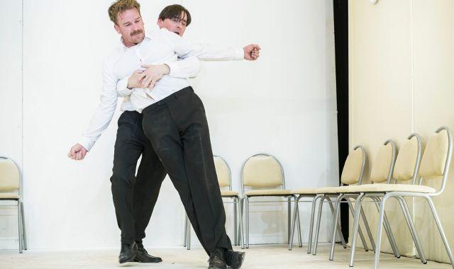 FOTO: Divadlo Na zábradlí uvádí Camusova Cizince