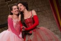 FOTO: Mnoho povyku pro nic zahájí divadelní sezonu na Hradě