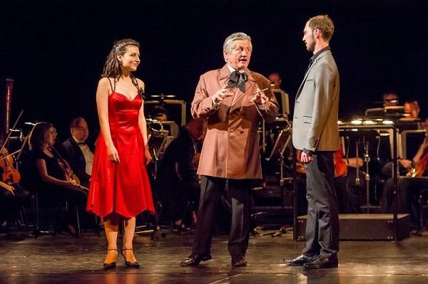 FOTO: Moderátoři stihli během představení vyzpovídat všechny velikány operety.