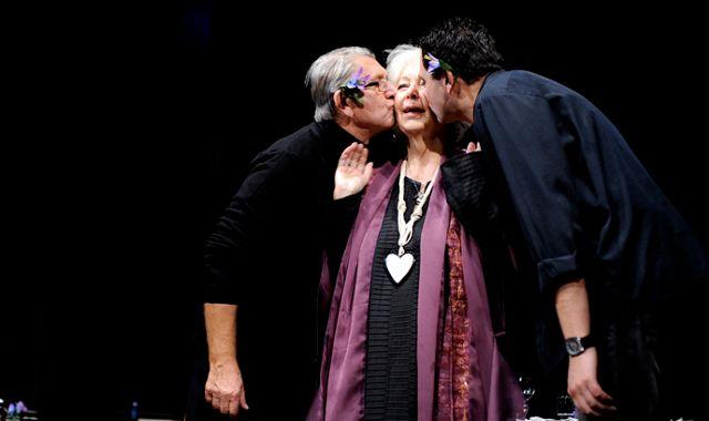 FOTO: Fialové Květy štěstí v Divadle Rokoko