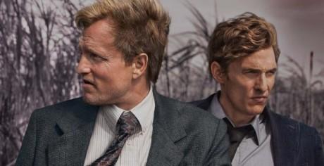 V první sérii se představilo duo detektivů v podání Woodyho Harrelsona a Matthewa Mcconaugheyho. Zdroj: HBO