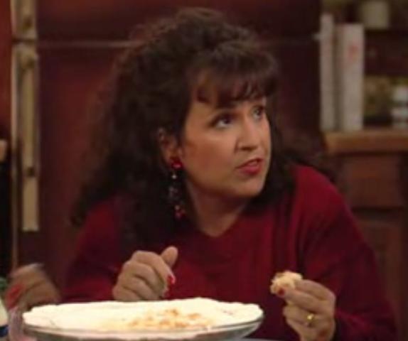 Carol Ann Susi jako Frannie v seriálu Ženatý se závazky. Zdroj: Fox.