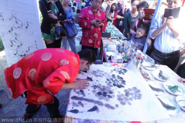 Umělec Han Xiaoming, Zdroj: www.dfic.cn