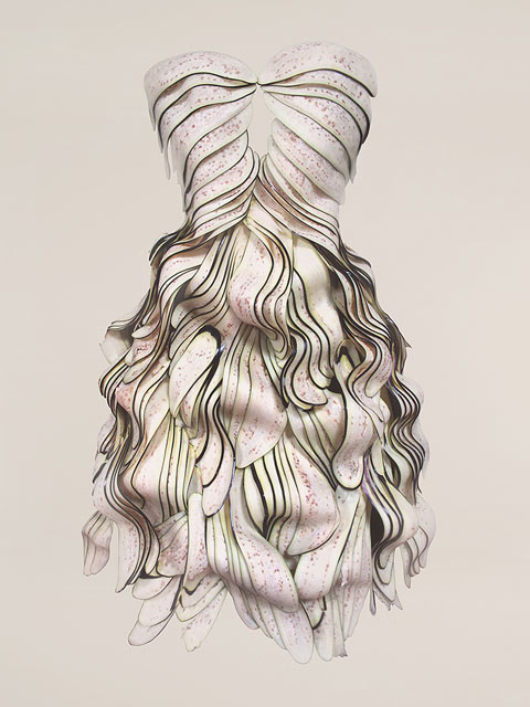 Šaty z lilku, Yeonju Sung, Zdroj: www.yeonju.me