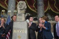 Odhalení busty Váckava Havla, USA, Zdroj: www.zahranicnieurozpravy.cz