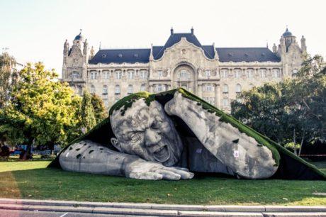 Feltépve, Budapešť, Foto: László Balkányi