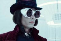 Šílený génius nebo geniální šílenec? Johnny Depp zastane obojí. Zdroj: Warner Bros.