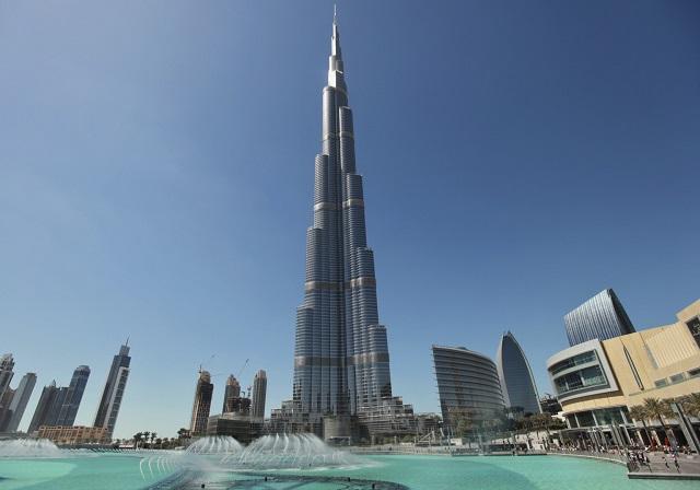 Burj Khalifa, Dubaj, Zdroj: www.huffingtonpost.fr