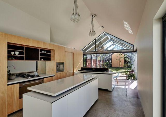 Dům naruby, firma Cut Paw Paw. Zdroj: www.maynardarchitects.com
