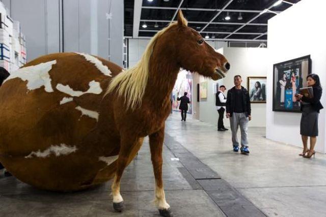 Yang Maoyuan, Art Basel Show - Hong Kong, Zdroj: www.lostateminor.com