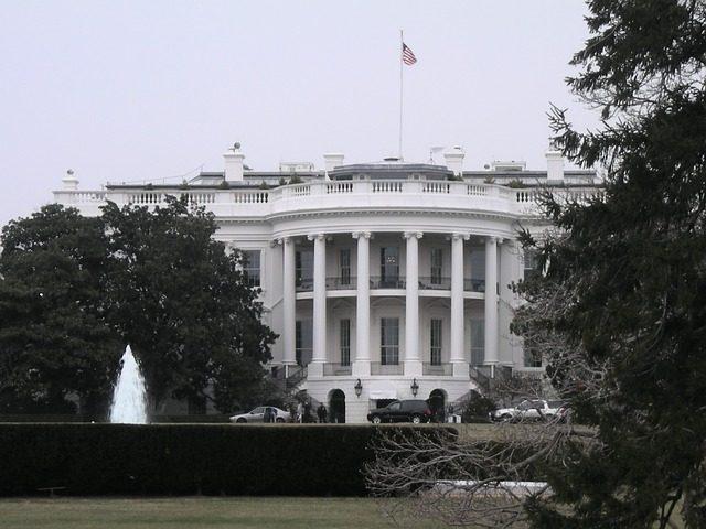 Bílý dům v USA označen na google mapách jako negerský dům