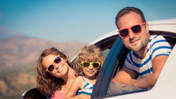 dovolena_auto_rodina_prazdniny_cestovani