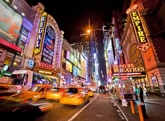 new_york_times_square_broadway