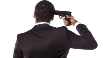 sebevrazda_zbran_pistole_cernoch_strelba_afroamerican