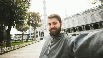 turecko_vousy_vousaty_muz