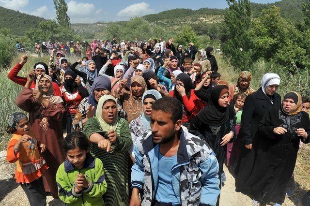uprchlici_na_turecko_syrske_hranici-imigranti