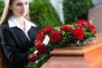prani_na_pohreb_smutecni_kondolence_rakev_smrt