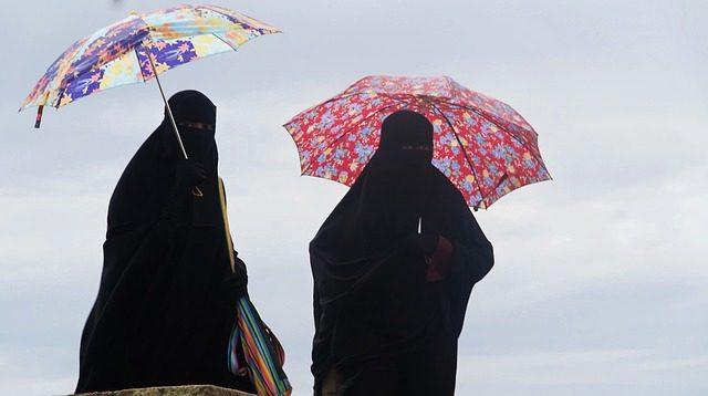 burka-muslimove-zeny-uprchlici