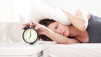 vstavani-budik-probuzeni-spanek