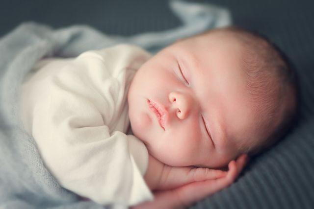 novorozenec-umele-oplodneni-mimino-dite