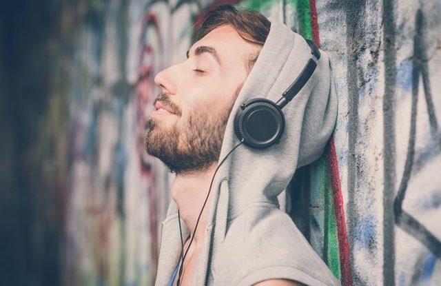 Poslouchání hudby