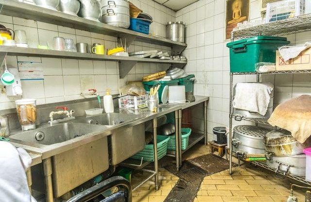špinavá restaurace SAPA uzavření provozu