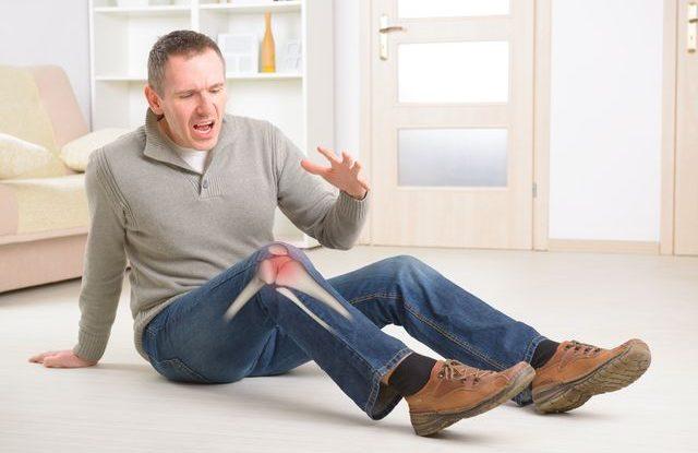 Muži a řídnutí kostí, osteoporoza, zlomenina nohy