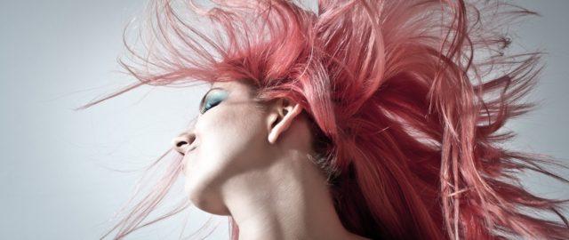 pink-hair-1450045_1920