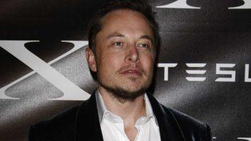 Elon Musk postavil největší baterii na světě