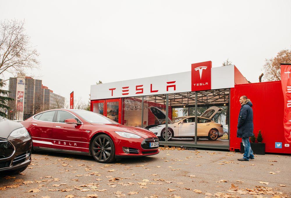 Tesla akcie