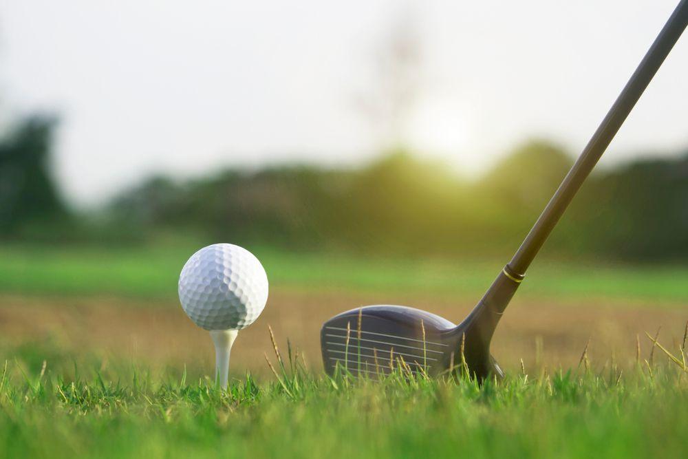 Hraní golfu